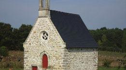 graffitis-navals-chapelle-de-bavalan